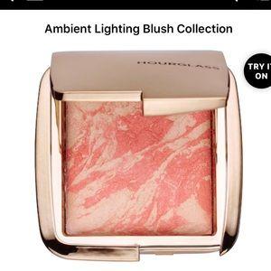 Hourglass blush